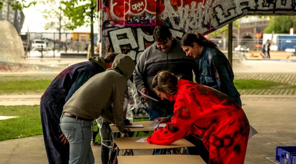 Slide 3: Graffiti Workshop met de hele familie in Antwerpen